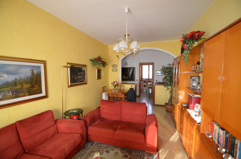 Casa italia s n c consulenza immobiliare di rossi e for Piani casa ranch con cantina